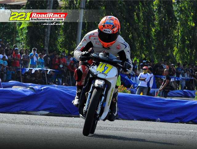 Wearpack Tim Moto2 Federal Oil Terpantau Ngesot Naik F1ZR di Purwokerto