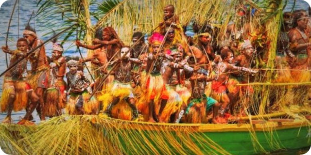 Warga Papua Niugini Tertarik Saksikan Festival Danau Sentani