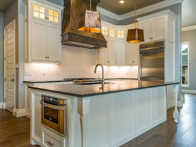 Omaha kitchen and open floor plan .. Sell your house quick