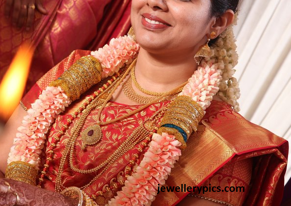 South Indian Bride With Latest Gold Chandraharam And