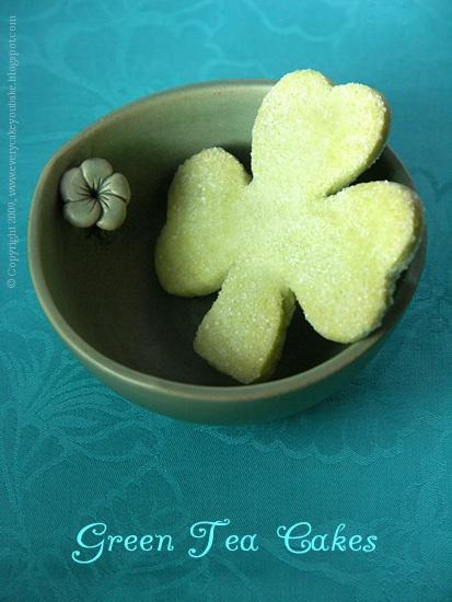 ciastka koniczynki z zieloną herbatą