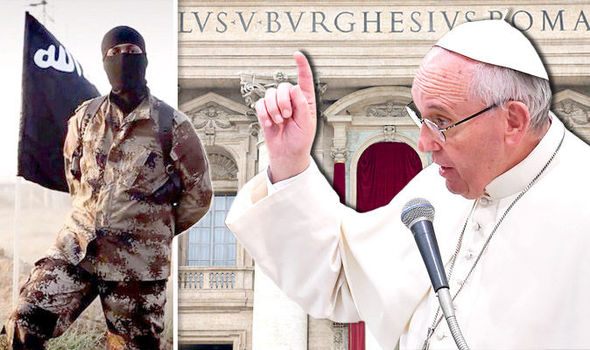 Pope REFUSES to wear bullet proof vest for Christmas speech amid ISIS threat