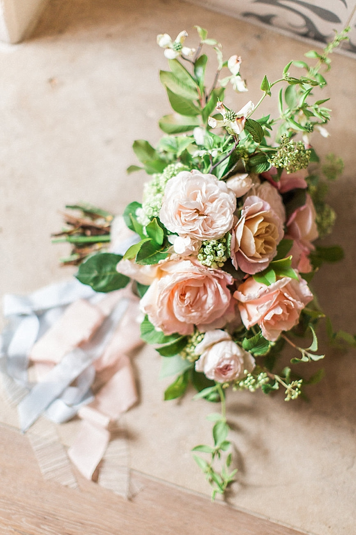Peach and Green Floral Bouquet | Stephanie Ponce Photography
