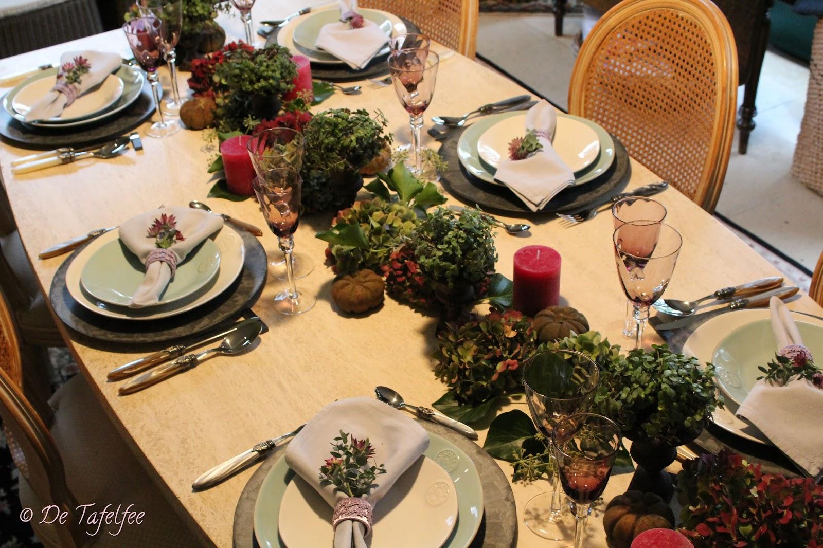 de tafelfee eenvoudige tafeldecoratie met hortensia
