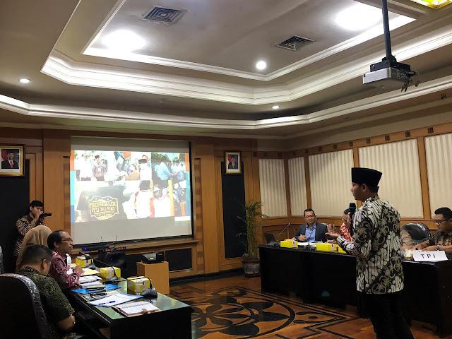 Nur Arifin Paparkan Sendiri Inovasi Daerah dalam Presentasi Lomba Pembangunan Daerah di Bapeda Provinsi Jatim