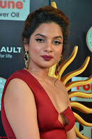Natasha Nebasha in a Leg Slit Sleeveless Stunning Red Gown at IIFA Utsavam Awards 2017 008.JPG