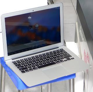 MacBook Air Core i5 13-inch Early 2015 Fullset