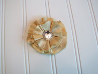 how to make a fabric flower pin