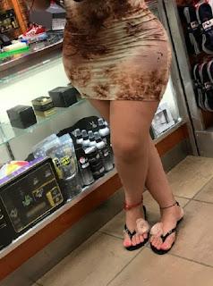 Morena curvas sexys vestido entallado