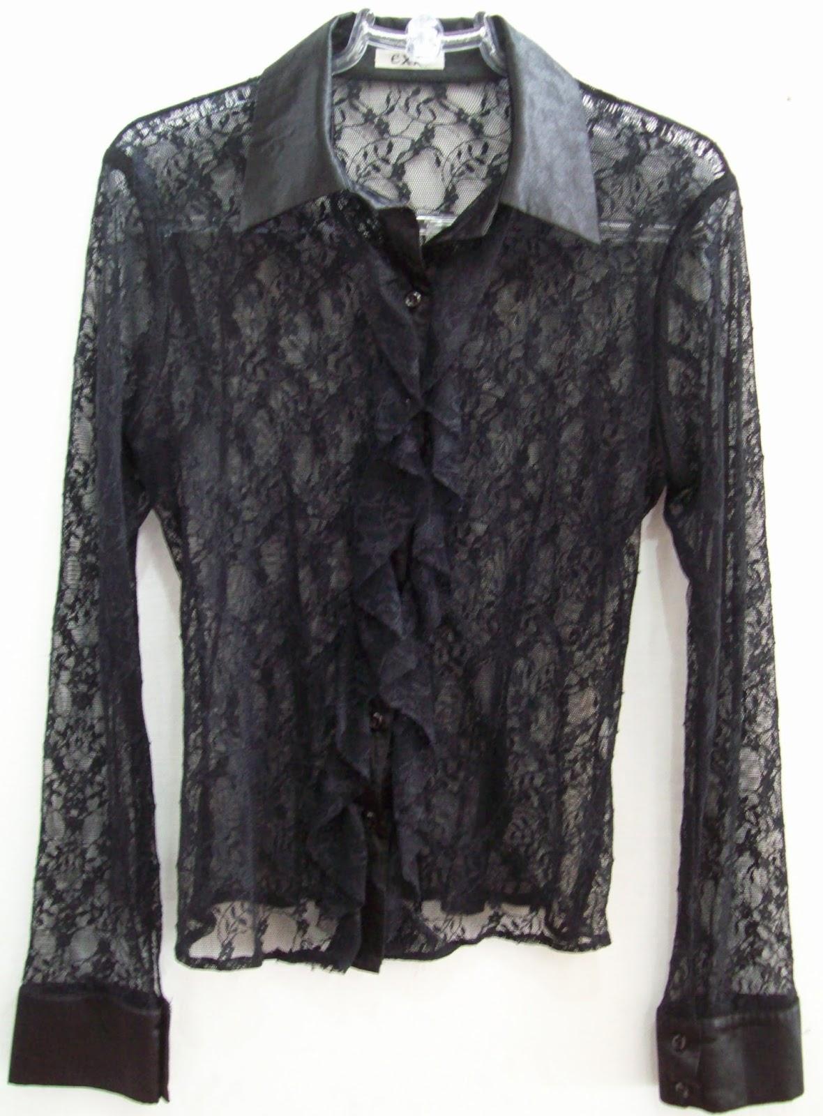 Camisa em renda preta tamanho 40