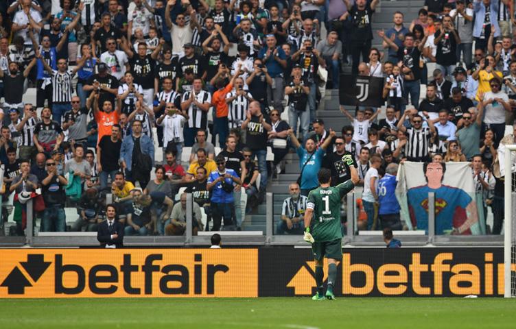 """Buffon: """"17 godina u crno-bijelom i zvanično završava danas"""""""