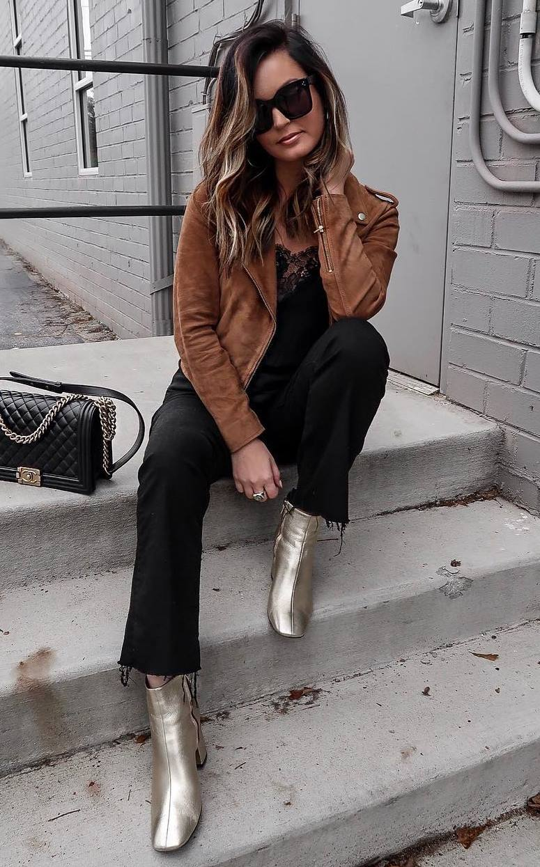 best fall outfit idea / black bag + brown moto jacket + top + black jeans + gold boots