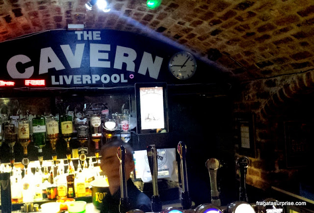 Balcão do bar do Cavern Club, Liverpool