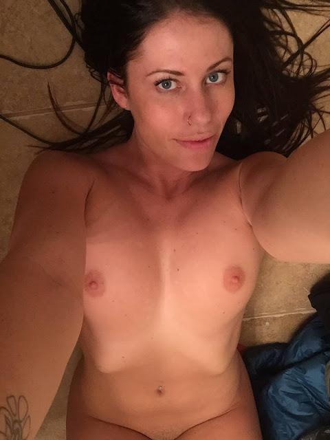 amateur nude milf 02