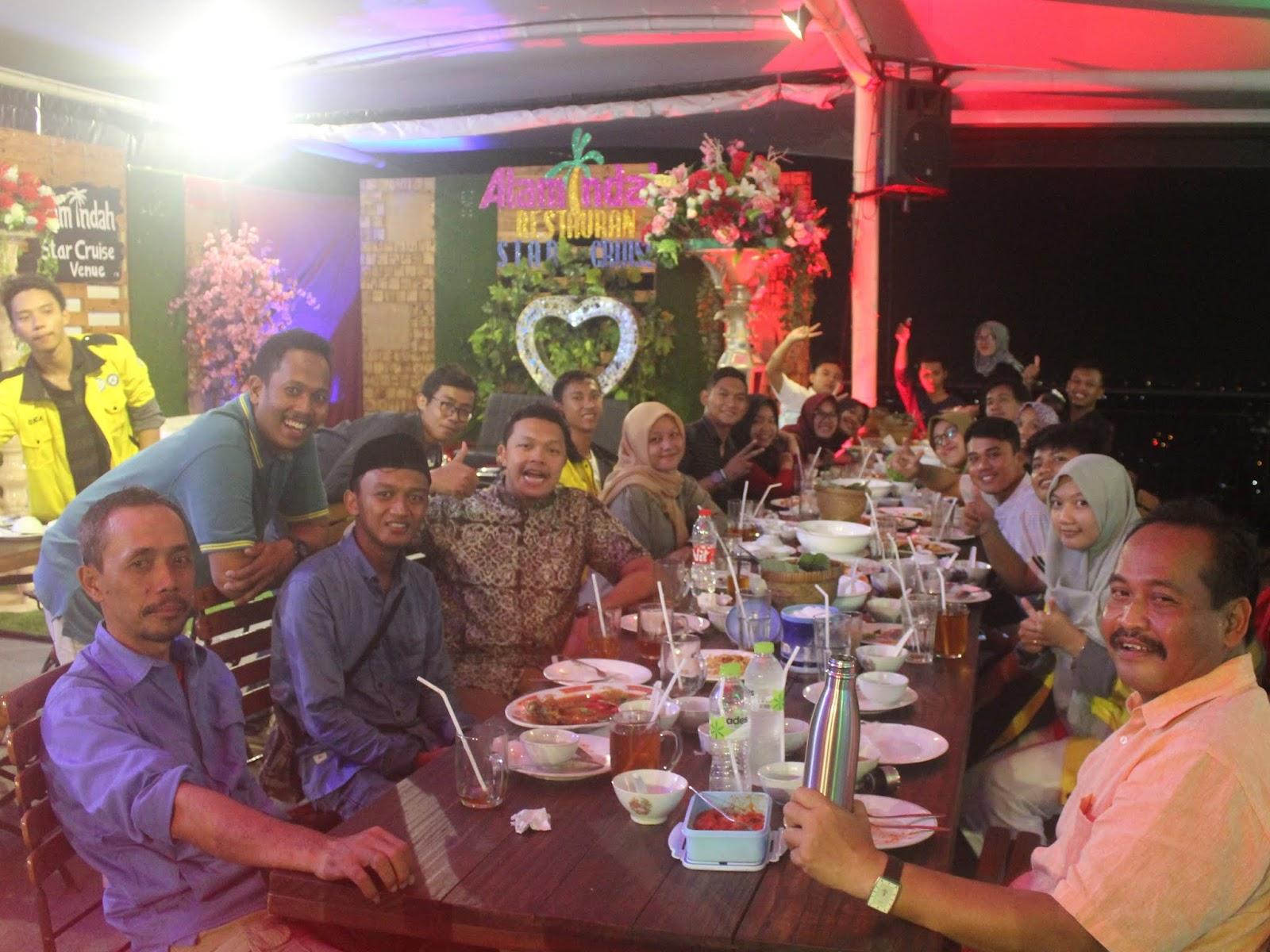Meriahnya, Buka Bersama Keluarga Mangrove KeSEMaT