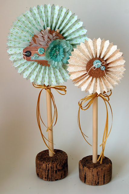 Accordion Die Cut Paper Flowers from www.jengallacher.com. #papercrafts #diecutting #sizzix