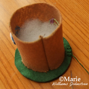 Making a 3D felt structure