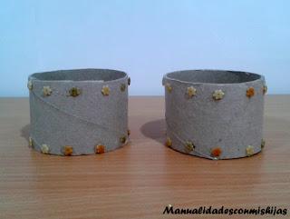Brazalaletes-realizados-con-tubos-de-carton-egipcia