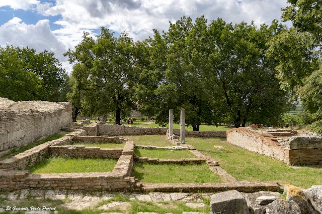 Templo Jónico - Apolonia de Iliria, Albania por El Guisante Verde Project