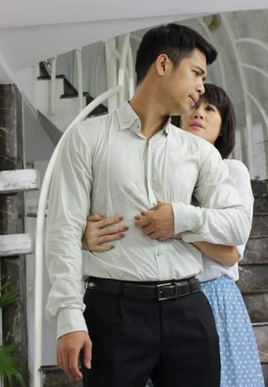 """Thân Thúy Hà (phải) và Trương Thế Vinh trong """"Nợ ân tình"""""""