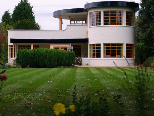 Art Deco Style House | home & garden healthy design