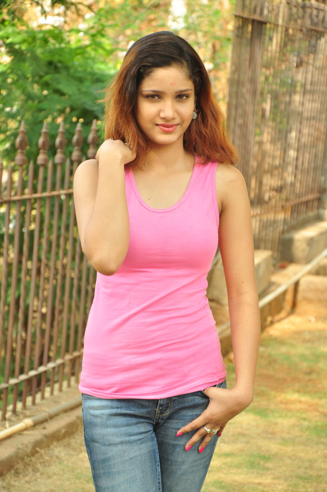 Aarthi glamorous photo gallery-HQ-Photo-2