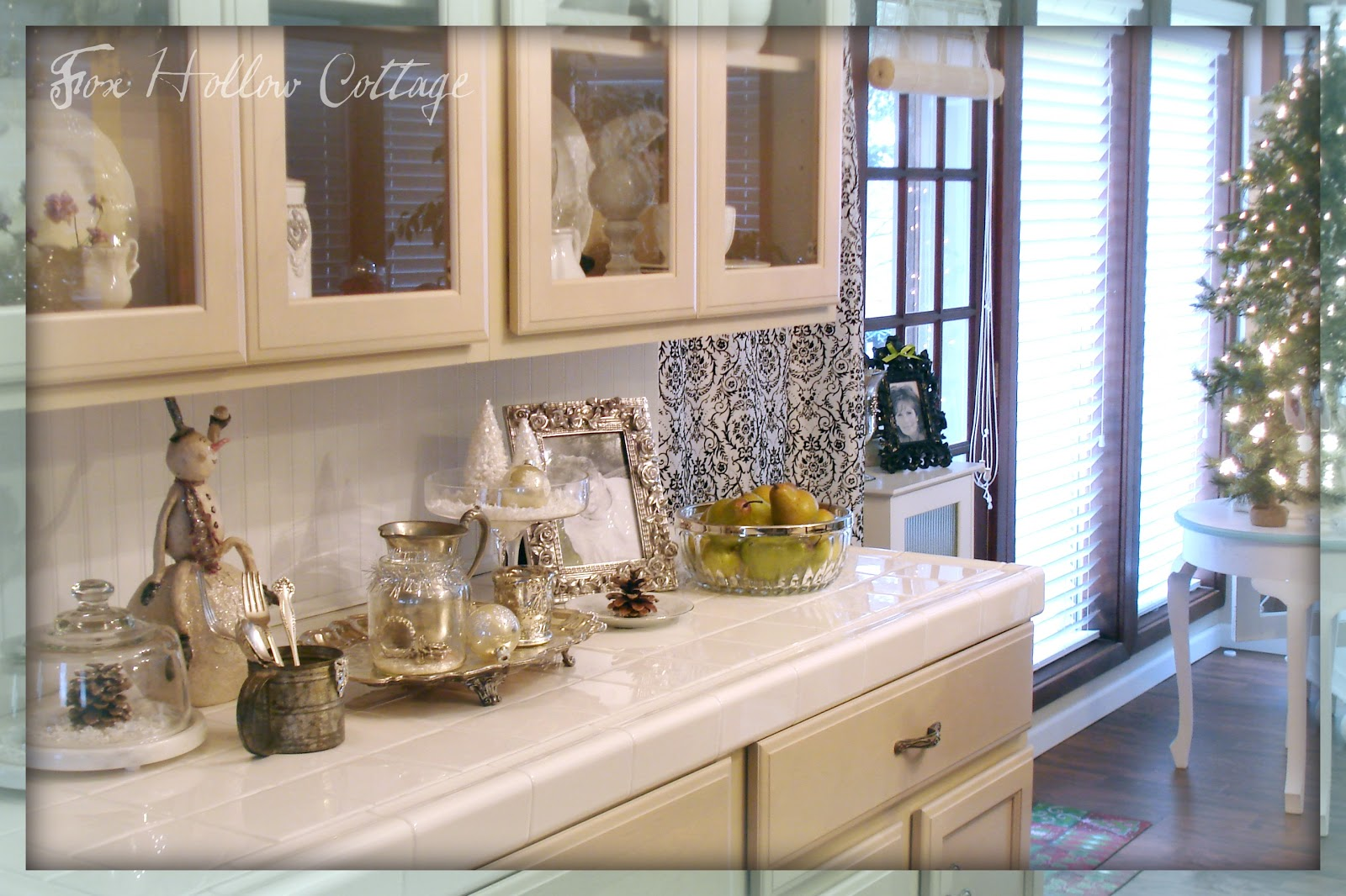 Decorating With Thrift Store Finds {christmas Edition <div><div Class=