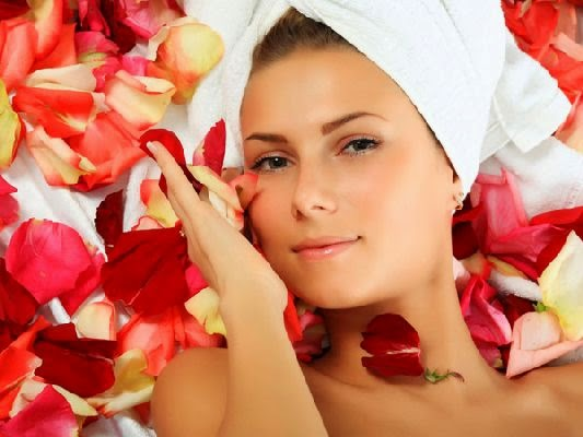 Mascarilla de pétalo de rosas para la piel mixta