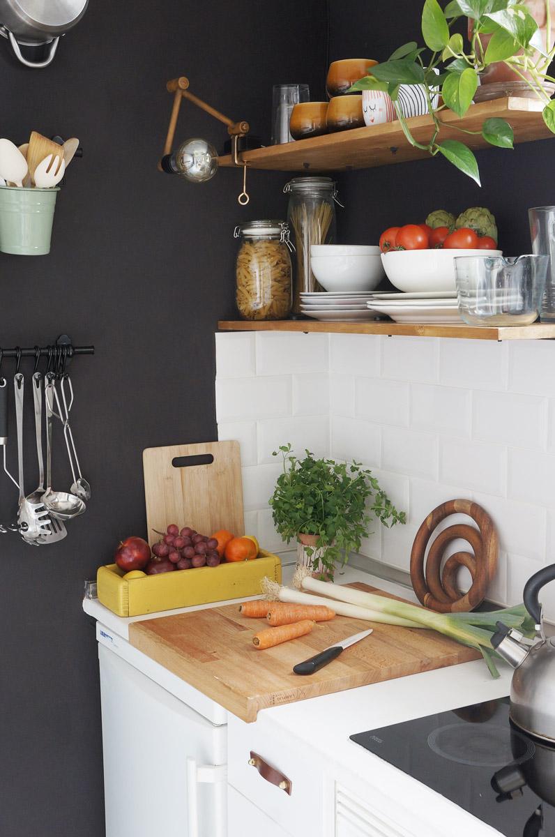 C mo aprovechar el espacio en la cocina armarios vs - Baldas para cocina ...