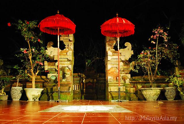Pura Archway at Holiday Villa Bali Diwangkara