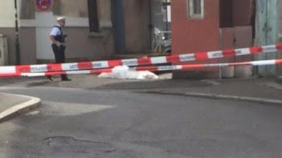 Se maneja la hipótesis de que el atacante estaba discutiendo con la víctima mortal antes del incidente.