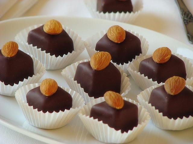 recette de bouchées au chocolat et aux amandes