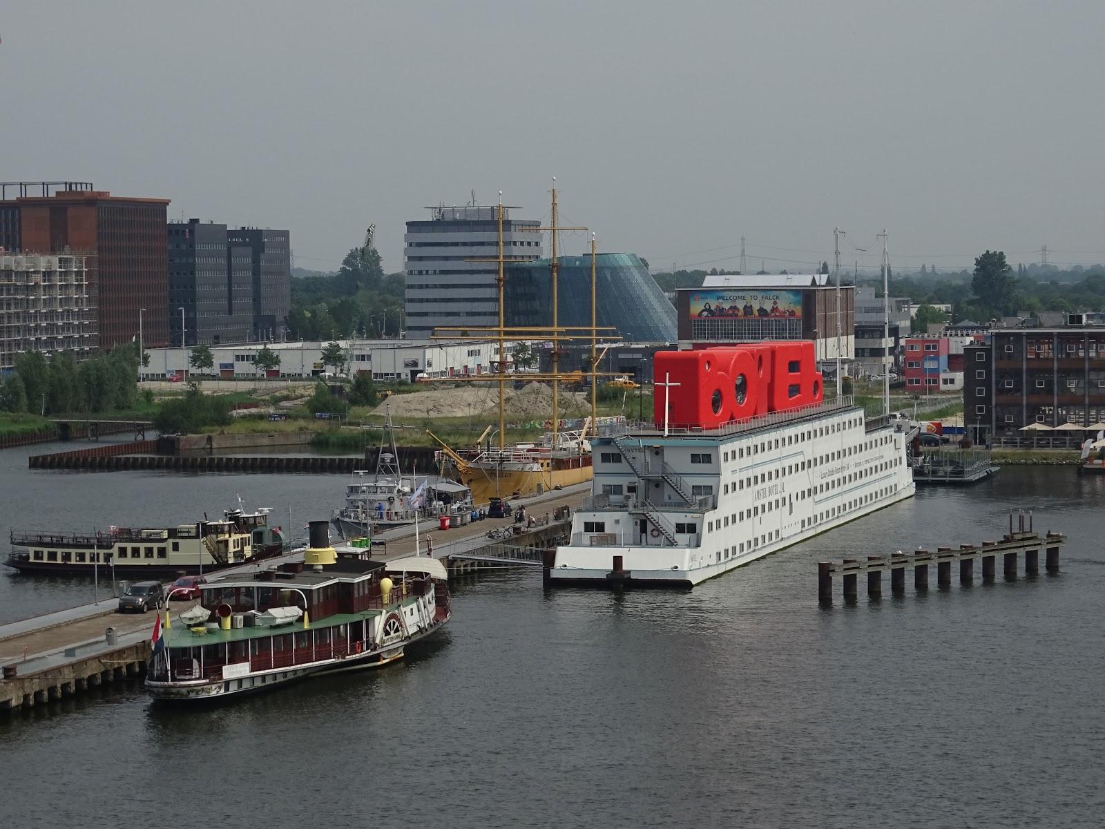 Sergio cruises navio hotel amstel botel em amesterd o for Design hotel sauerland am kurhaus 6 8