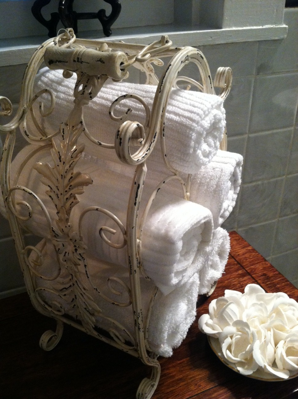 7 Creative Ideas For Bathroom Towel Storage: A Blog About Decorating