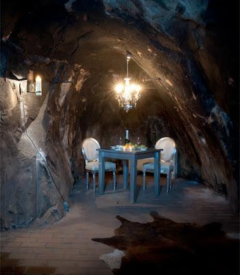 caveroom06 Hotel yang Terletak 155 meter di bawah Permukaan Bumi