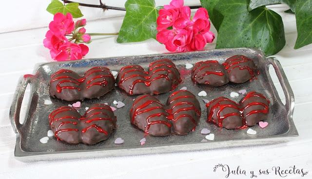 Bombones de fresas y chocolate. Julia y sus recetas