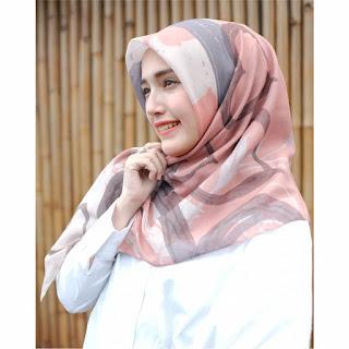 Hijab Segi Empat Printing Motif Zinnia Peach Dshadel 0811-2229-308