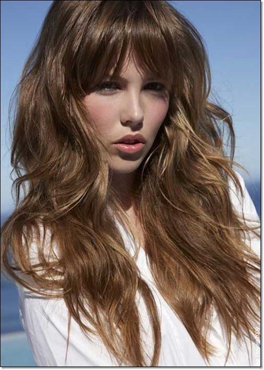12 elegante Frisuren für braune Haare