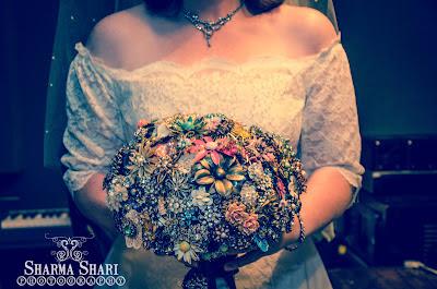 Brooche Bouquet