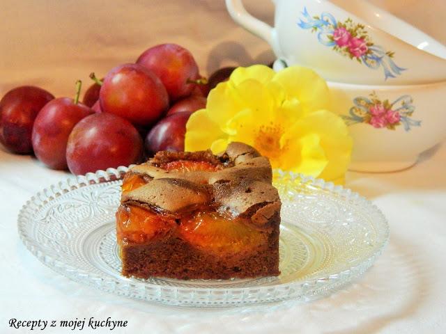 Čokoládový koláč s ovocím