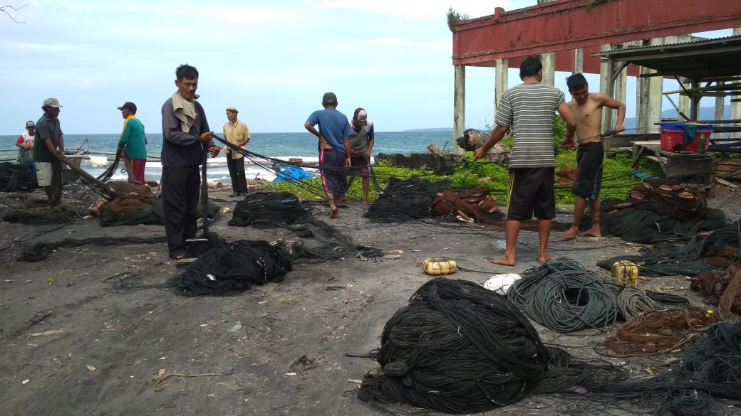 Nelayan Pukat Pantai Terkena Dampak Cuaca Buruk
