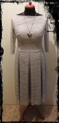 koronkowa sukienka weselna