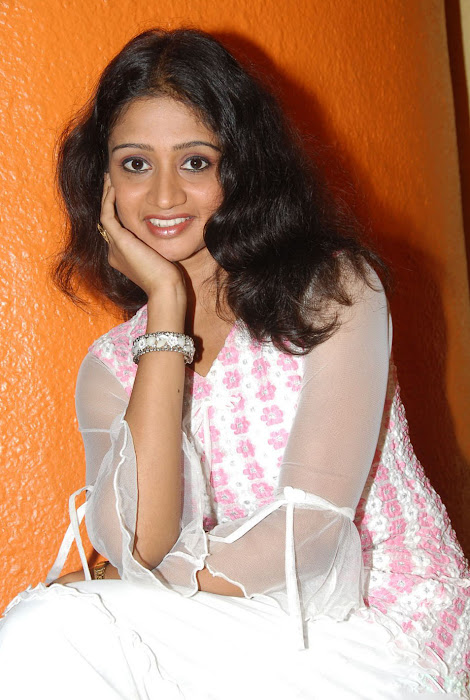 sandeepthi in white dress actress pics