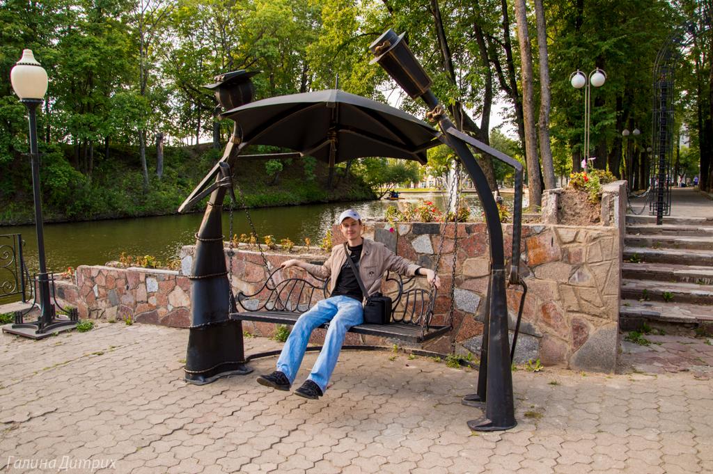 Качель в Смоленском парке