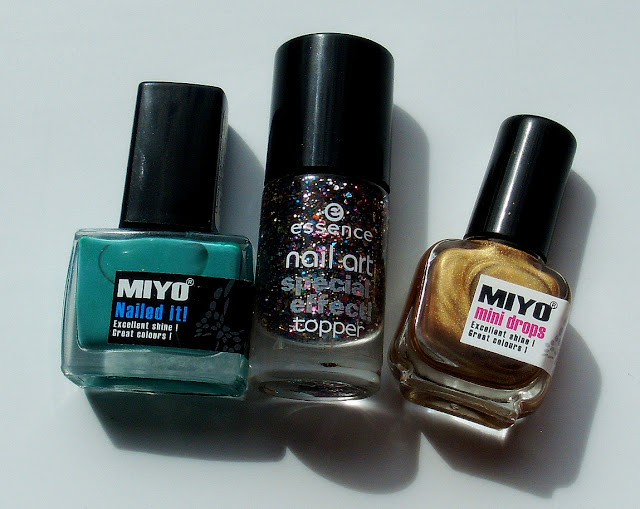 MIYO Nailed It! nr 28 MIYO Mini Drops w kolorze złota Essence Nail Art Special Efect!
