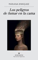 Portada de Los peligros de fumar en la cama de Mariana Enriquez