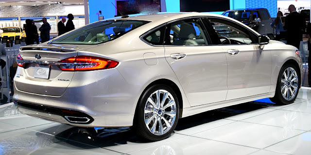 Ford Fusion 2017 back