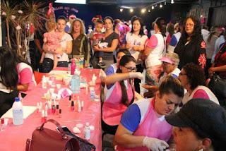 Caminhada, show, sorteios e muitas atividades movimentaram o Outubro Rosa