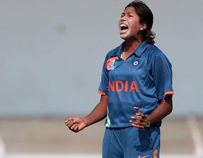 भारतीय महिला तेज गेंदबाज झूलन गोस्वामी एकदिवसीय अंतरराष्ट्रीय क्रिकेट में सर्वाधिक विकेट लेने वाली महिला खिलाडी बनीं