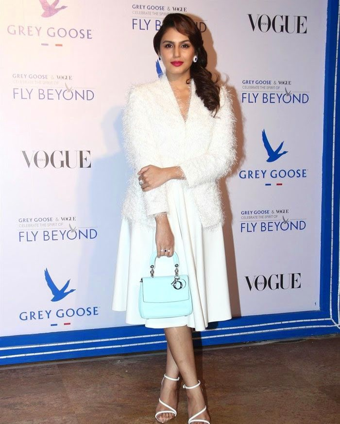 Huma Quershi, Pics from Red Carpet of Grey Goose & Vogue's Fly Beyond Awards 2014